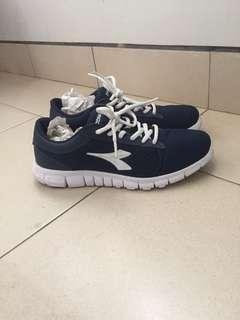 Sport / Running Shoes Diadora