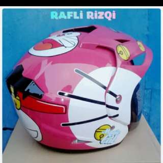 Helmet doraemon pink