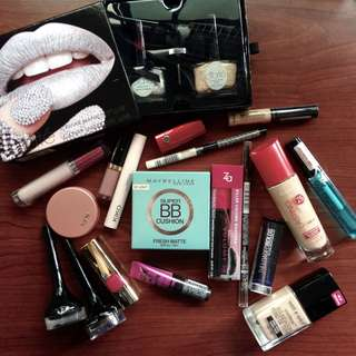 MAKEUP BUNDLE - High Street and drugstore brands
