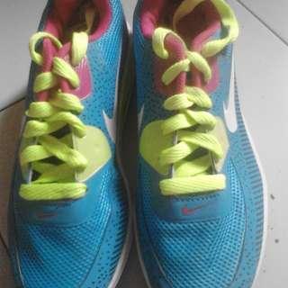Sepatu nike ( super kw )