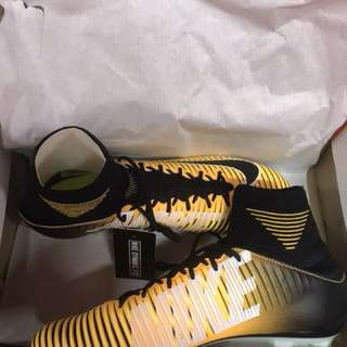 Mercurial Veloce lll DF FG, 100%new & authentic, Size US 7 - US 11, Original Price $1399hkd, Sale $999hkd, inbox me if interest, welcome to forward to any group & anyone! 🙏🏻