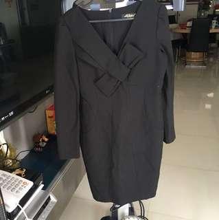 Front ribbon black office dress