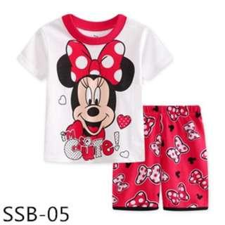 Minnie Mouse tee set