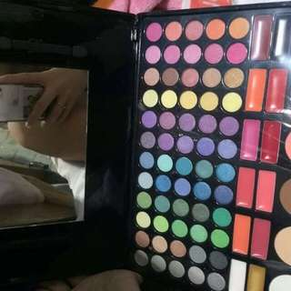 Professional make up all in one