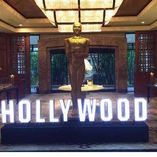 Hollywood Light Box for Rent!