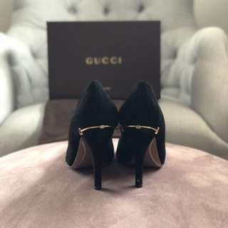 AUTHENTIC GUCCI HEELS WITH GOLD DETAIL