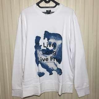 Sweater putih H & M