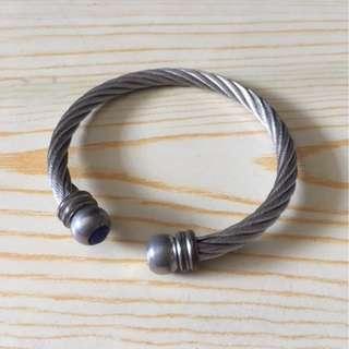 Magnetic Bracelet (for health improvement)