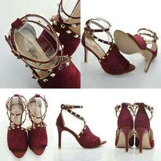 V*L*NT*N*  Stud Heels 135-191  (06)*