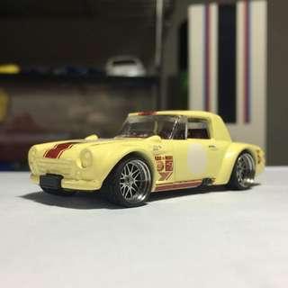 Just sharing. Custom Datsun Fairlady hotwheels