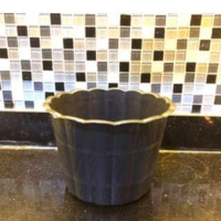 Pot bunga hitam ukuran 25 cm