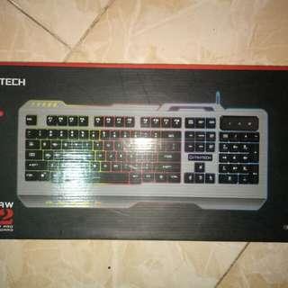 Keyboaard fantech dan mouse gaming