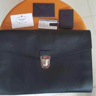 Prada黑色文件袋prada公事包(100%正貨,齊卡)