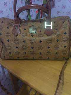 Authentic MCM Cognac Speedy 30 with detachable sling