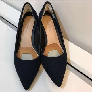 Zara's real suede shoes  98% new