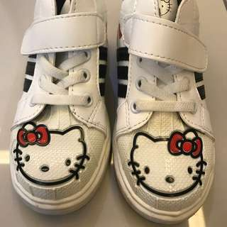 Kitty shoes size 28