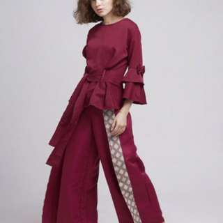 Atasan ruby maroon