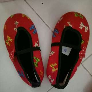 Preloved Baby shoes Girl.wore 1 times only ,size 18