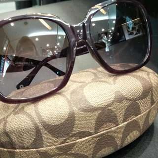 Preloved Coach sunglasses ( 100% authentic)