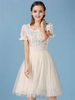 AO/HYC071564 - Lovely European Floral Embroidered Puff Sleeve Layered Gauze Dress