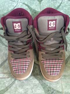 DC shoes, skate shoes