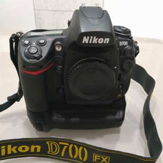 Nikon D700 & MB-D10 Battery Grip