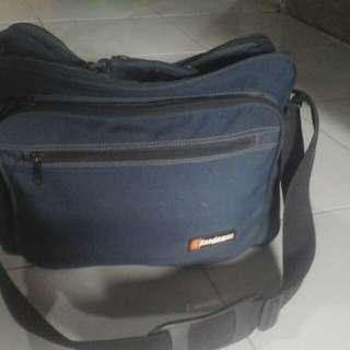 tas bisa untuk laptop