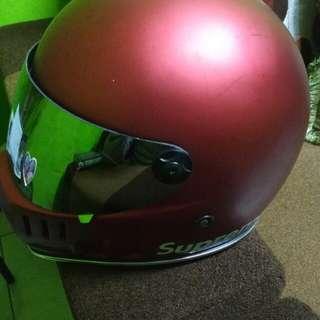 Helm moto cakil