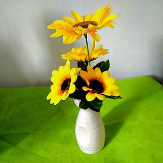 Artifical SunFlower with Small Vase