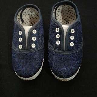 No brand slip on sneakers (unisex)