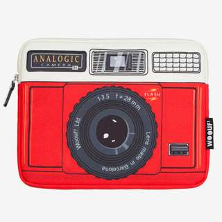 Woouf Analogic red camera 13″ laptop case