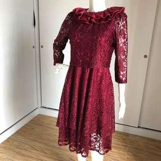 Brokat Maroon Dress