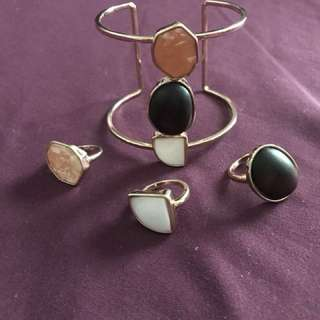 Set of bracelet and 3 rings