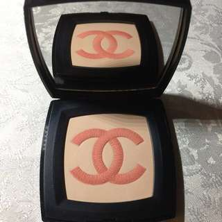 Chanel Infiniment Illuminating Powder (pressed powder)