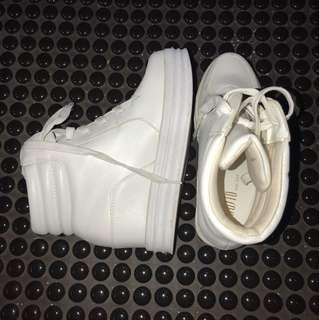 Sepatu wedges too