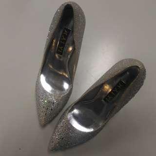 stiletto shoe