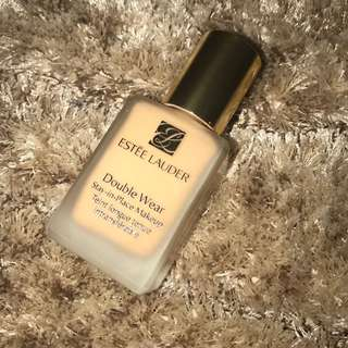 Estée Lauder Double Wear Stay In Place Foundation