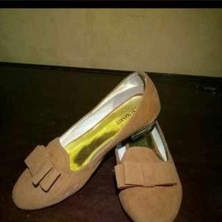 sepatu flat summit