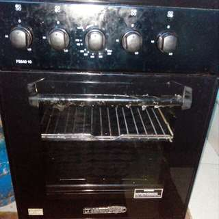 4 Burner Gas Range & Oven