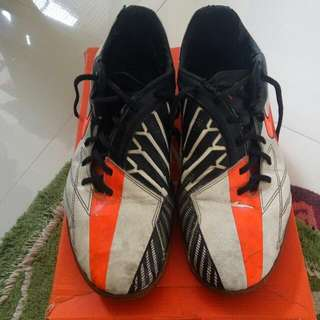 Sepatu Futsal Nike T90 Shoot IV