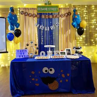 Backdrop Set Up & Table Cover - Cookie Monster