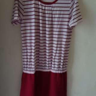 Dress Merah Salur