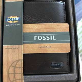 (NEW) Authentic FOSSIL Women Wallet