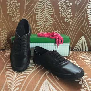 Black leather City Sneakers (Payless)