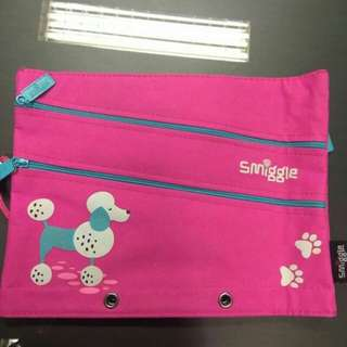 Pen Case Smiggle