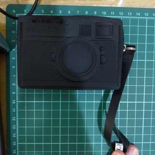 矽膠仿黑色真像機零錢包NT200含運