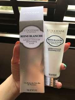 L'occitane Reine Blanche Illuminating Scrub