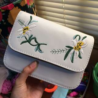 Lily embroidery slingbag