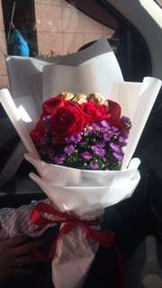 Rose Bouquet + ferrero