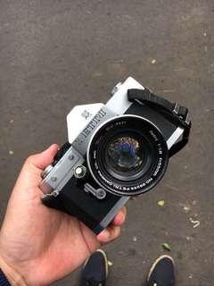 Petri • 55mm f1.8